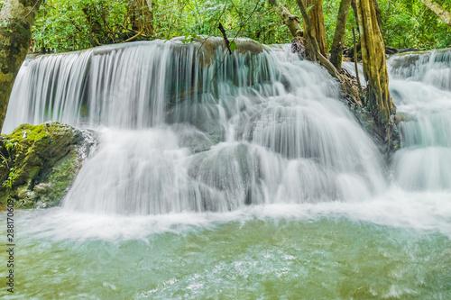 Fototapeten Wasserfalle Huai Mae Khamin Waterfalls in Tropical Rainforest at Kanchanaburi Province, Thailand