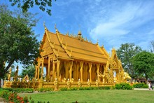 Golden Church, Pak Nam Temple, Jolo Temple, Chachoengsao, Thailand. Watch The One Temple In Thailand. The Gold Paint On The Back Whether Inside Or Outside The Chapel