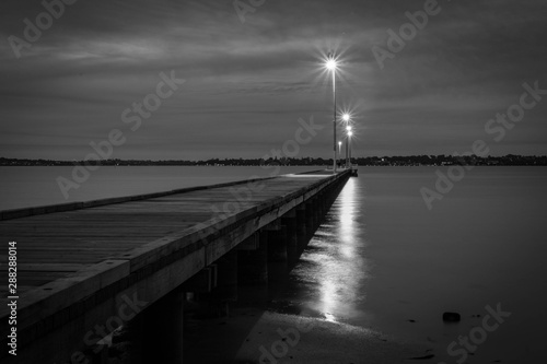 Fototapety, obrazy: Como Jetty Sunset Black and White Long Exposure