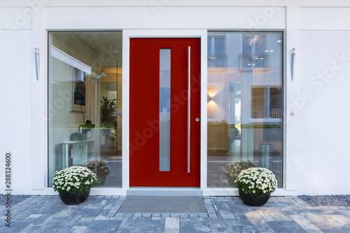 Cuadros en Lienzo  Haustür rot mit Glaseinsatz