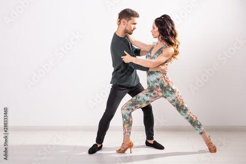 Young couple dancing social latin dance bachata, merengue, salsa Canvas-taulu