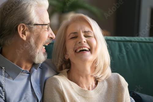 Papel de parede  Laughing happy positive senior family couple close up.