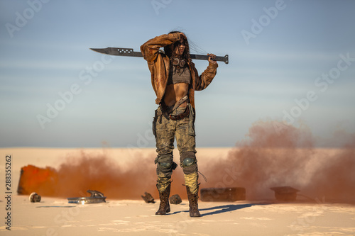 Post-apocalyptic Woman Outdoors in a Wasteland Fototapet