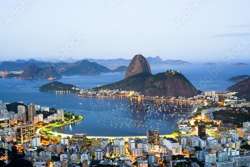 Montage in der Fensternische Rio de Janeiro Sugarloaf mountain in Rio de Janeiro