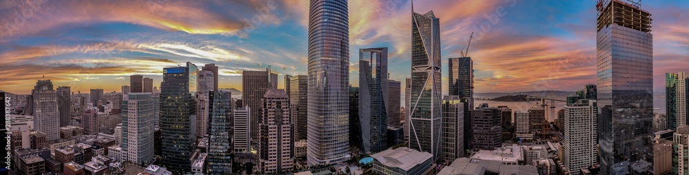 Fototapety, obrazy: Panorama of San Francisco skyline with amazing pink red and blue sunset focusing on the Salesforce Tower in the center