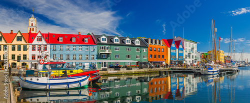 Autocollant pour porte Europe du Nord Torshavn city - the capital of The Faroe Islands, Denmark.