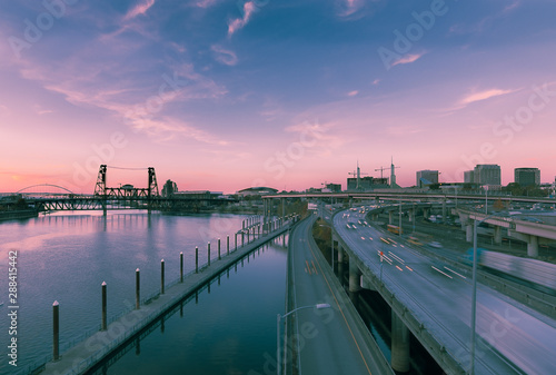 Long exposure of the Portland skyline looking north from the Burnside Bridge Fototapet