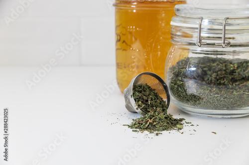 Fotografie, Tablou  amber, aroma, beverage, brew, brewed, brewing, brown, drink, dry, flat lay, food