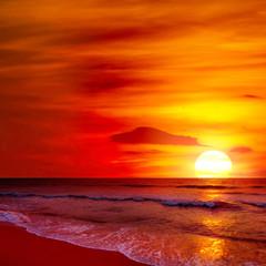 Fototapeta Wschód / zachód słońca Fantastic sunset over ocean