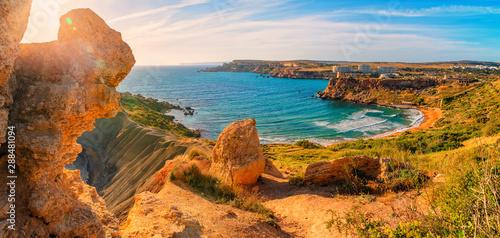 Montage in der Fensternische Südeuropa Malta. Maltese beach.