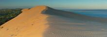 Le Soleil Se Lève Sur La Dune...