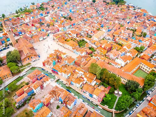 Foto  Aerial view of Burano island in Venice lagoon, Italy
