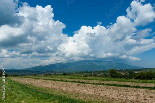 Photo Beautiful clouds over Vitosha and Plana moumtains, Bulgaria