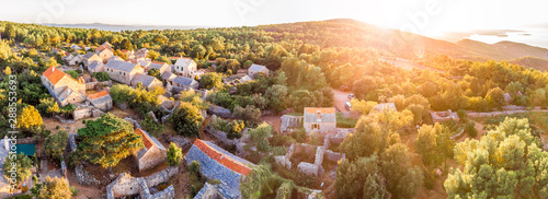 Foto auf AluDibond Altes Gebaude Aerial view of village of Humac in Croatia