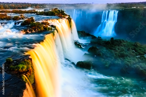 Foto auf Gartenposter Blaue Nacht Igauzu Waterfall, Brazil - Cataratas do Iguasu, Brasil (UNESCO World Heritage)