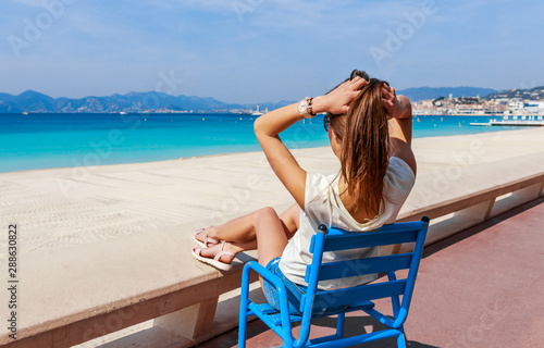 Photo Tourist woman in Cannes, Cote d'Azur, France, South Europe