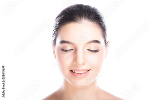 Fotografía  Beauty woman face isolate in white background