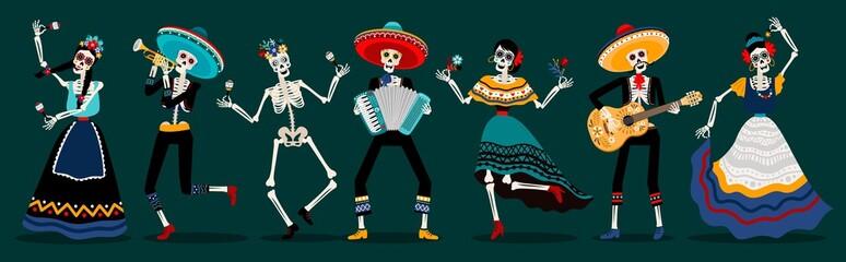Dan mrtvih kostura zabava. Likovi kostura bijele šećerne lubanje, ples i glazba svirajući mrtve meksičke pretke vektorska ilustracija