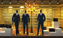 Showcase With Mannequins, Clothing Store, Leather Goods And Handbags, Elegant, Gold Background, 3d Illustration, 3d Rendering