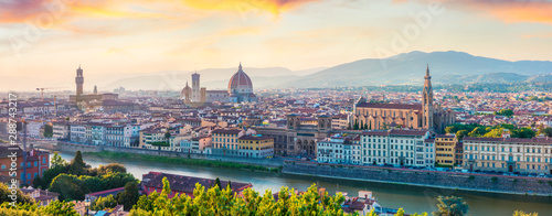 Fotografiet  Fabulous spring panorama of Florence with Cathedral of Santa Maria del Fiore (Duomo) and Basilica of Santa Croce