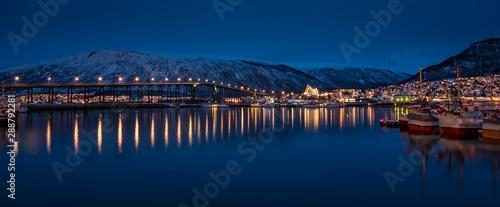 Fotobehang Noord Europa Tromso Bridge across Tromsoysundet strait