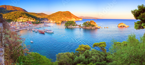 Panoramic view of scenic Parga city, Greece Fotobehang