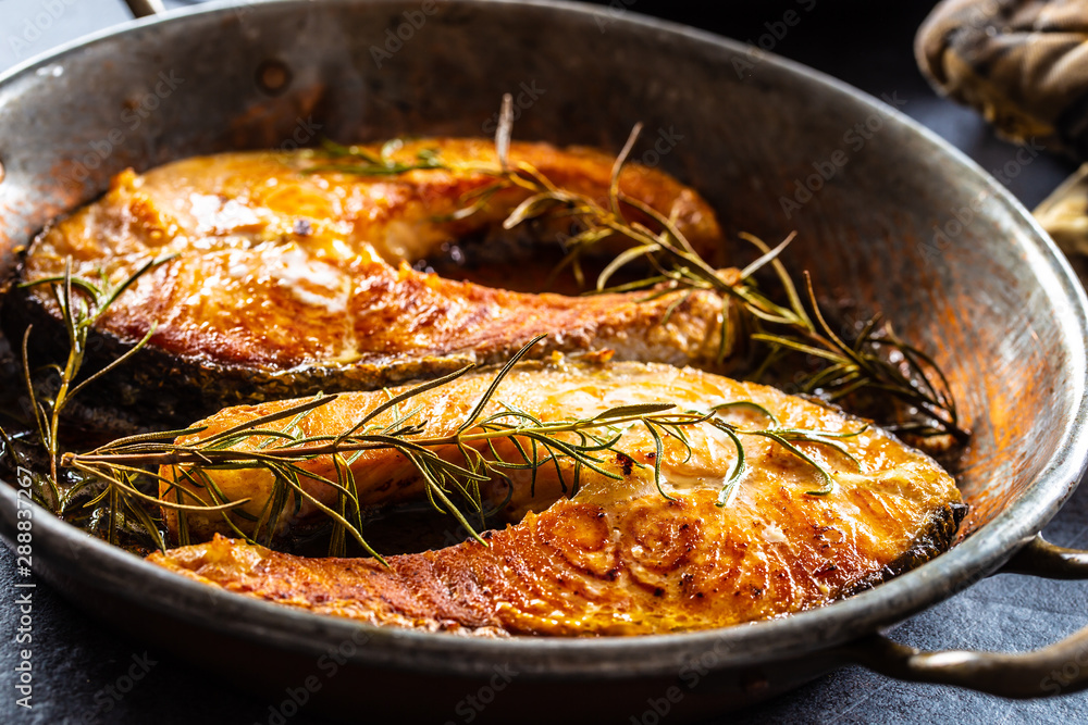 Fototapety, obrazy: Salmon roasted steaks rosemary sal pepper olive oil - Close-up