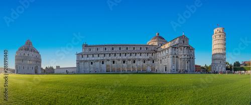Fotografia famous piazza del miracoli in Pisa, Tuscany