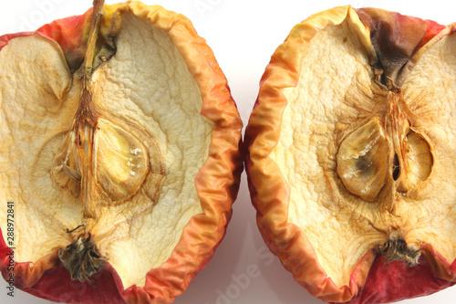Valokuva Rotten apple halves