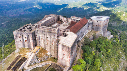 The Iconic Citadelle Laferrière in Milot, Haiti Fototapet