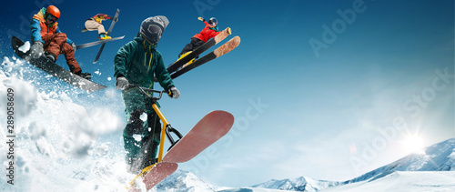 Poster Glisse hiver Skiing, snow scoot, snowboarding. Extreme winter sports.