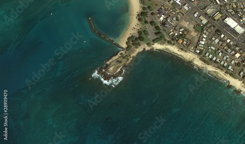 Photo  Pacific coast and infrastructure of Honolulu Hawaii USA from the height of the d