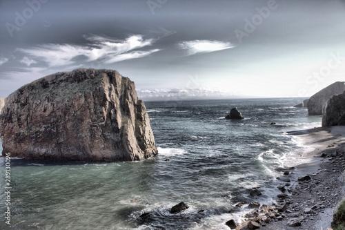 Fotomural Rocky coast in Playa la Barquera. Asturias, Spain