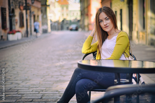 Fototapeta Girl in the city - Warsaw, Poland obraz