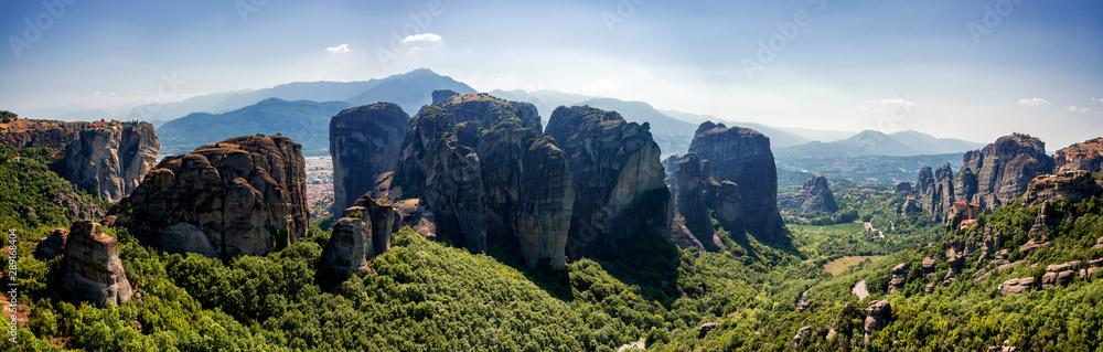 Fototapeta Breathtaking morning view on the rocks and Monasteries of the Meteora area