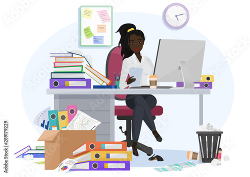 Photo Exhausted overwhelmed by work african american black young female employee stays late at work in the office