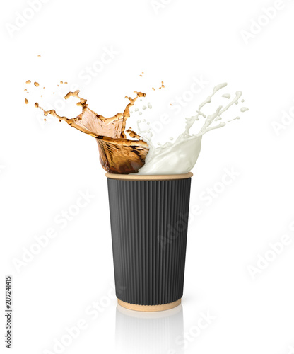 Photo  coffee and milk splash in paper coffee cup for to go isolated