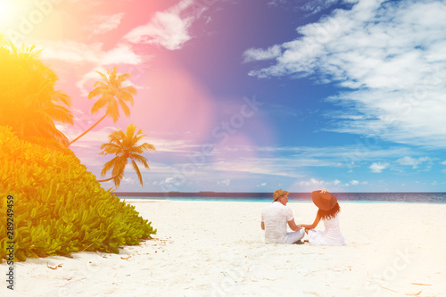 Happy honeymoon vacation at summer Fototapeta