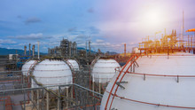 Industrial Tanks Or Spherical Tanks For Petrochemical Plant, Oil And Gas Fuel  In Refinery, Natural Gas Tank In The Petrochemical Industry