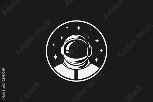 Fotografie, Obraz Astronout Head Logo Icon Vector Design Template
