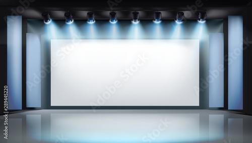 Large projection screen on stage Slika na platnu