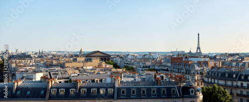 Fotomural Panorama of Paris, view of the roofs and the Eiffel Tower