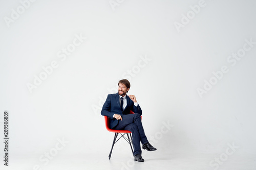 Cuadros en Lienzo  businessman sitting on office chair