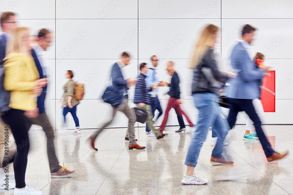 Fototapety, obrazy: Anonyme Masse Leute in Messe oder Einkaufszentrum
