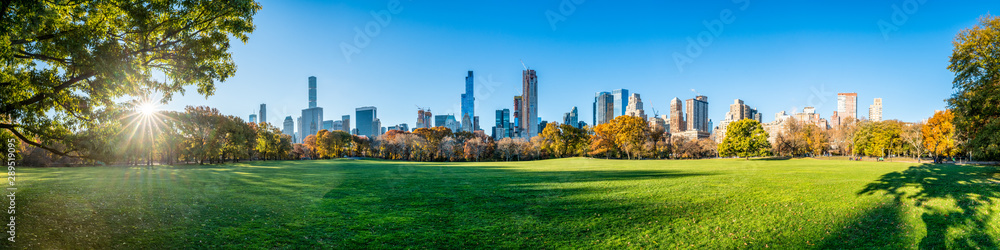 Fototapety, obrazy: Central Park in New York City as panorama background during autumn season