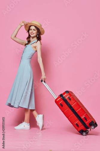 Keuken foto achterwand Vliegtuigen, ballon young woman with suitcase