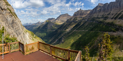 Foto auf AluDibond Dunkelbraun Beautiful Panoramic View of American Rockies from a viewpoint during a sunny summer day. Taken in Glacier National Park, Montana, United States of America.