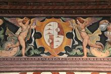 Grottesche Con Figure Fantastiche E Stemma Nobiliare, Opera Di Marcello Fogolino; Palazzo Assessorile Di Cles, Trentino