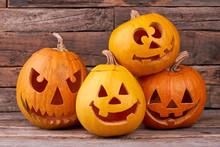 Funny Halloween Pumpkins On Wo...