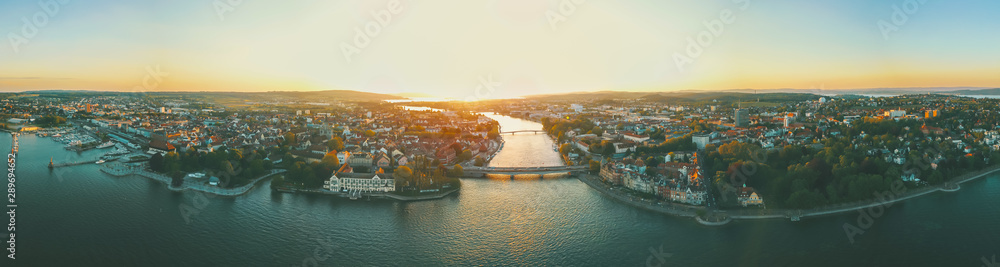 Fototapeta Sonnenuntergang über Konstanz am Bodensee
